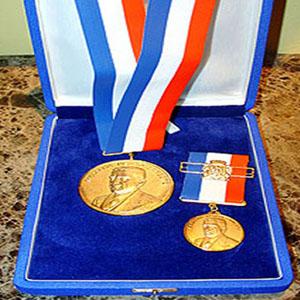 A Medalha de Mérito Pedro Ernesto