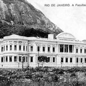 A recém inaugurada Faculdade Nacional de Medicina em 1918